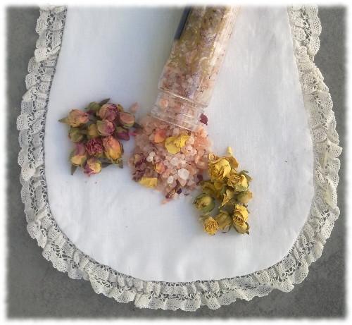 Bain: sel de l'Himalaya-pétales de rose